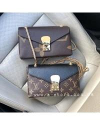 Сумка -клатч в стиле Louis Vuitton мини размер