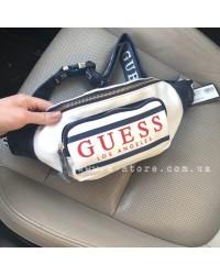 Модная сумка на пояс -бананка копия Guess. Белый цвет